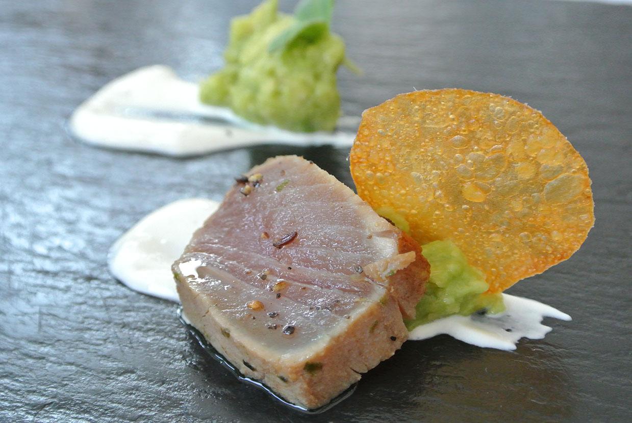 Thunfisch Avocadoverhackertes
