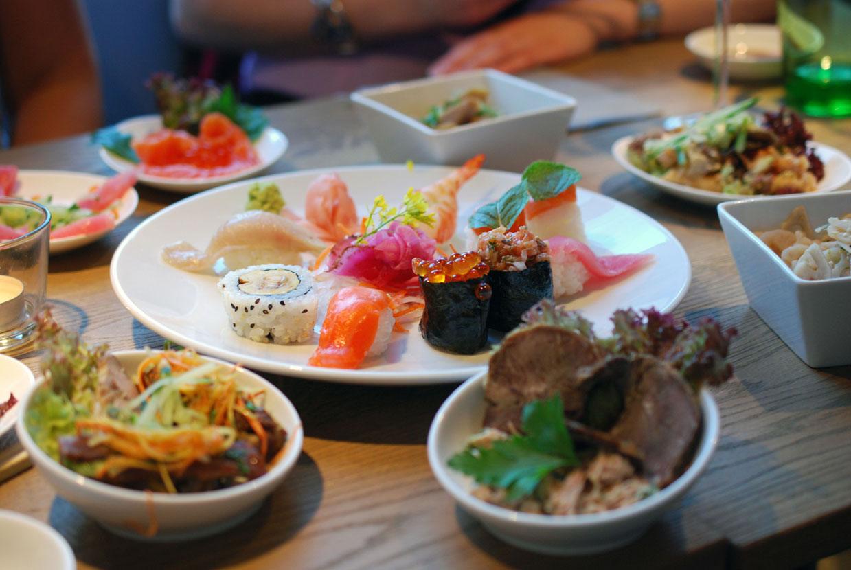 Sushi und Vorspeisenvariationen